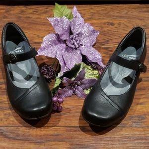 Dansko Black shoes  size 8